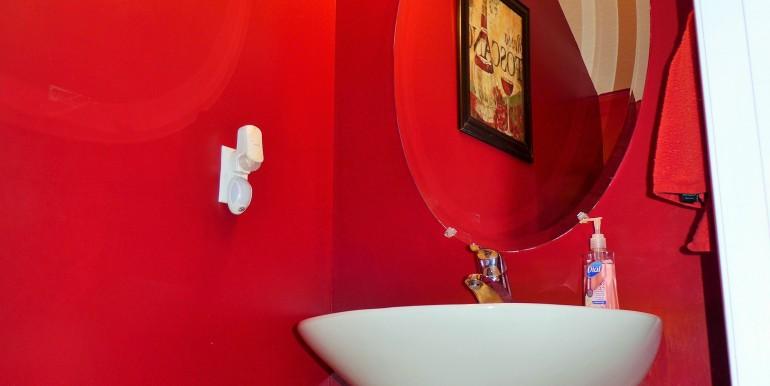 Chic Guest Bathroom