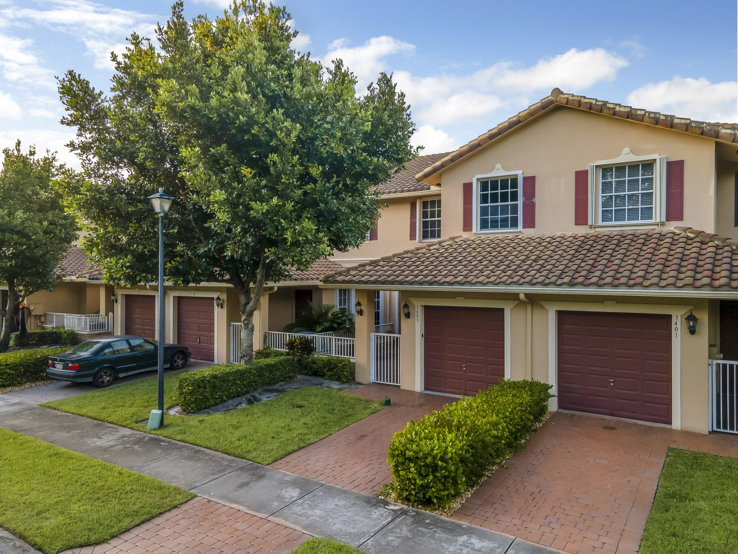Lakefront Davie Townhouse