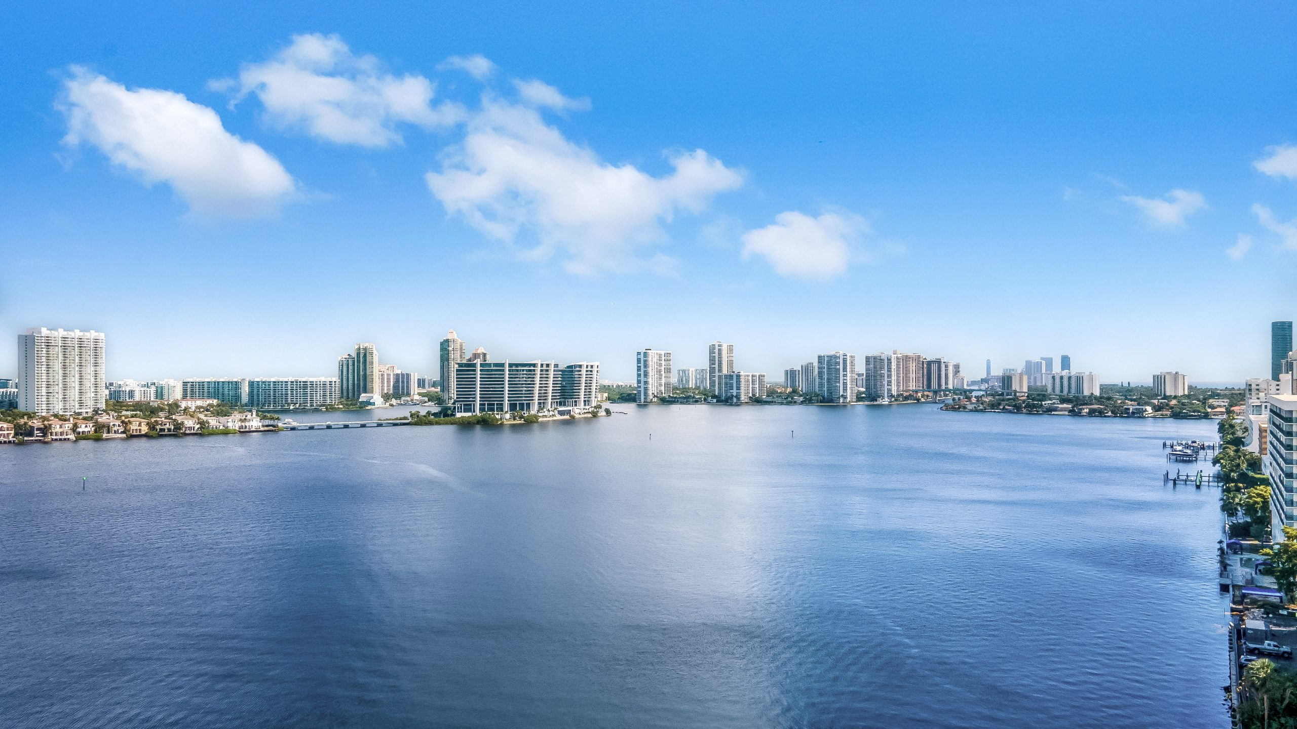 Luxurious 2 Bedroom   2 Bath with Stunning Biscayne Bay Views